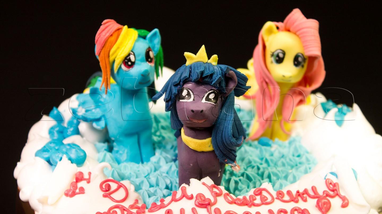 """Детский торт """"Лошадки"""""""