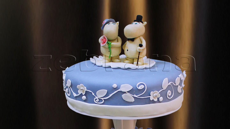 Свадебный торт сиреневый.