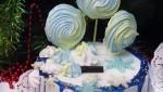 Торт на Новый год с цветным безе