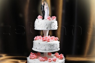 Свадебный торт  с алыми розами