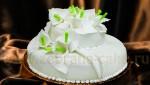 Свадебный торт  с каллами  из мастики.