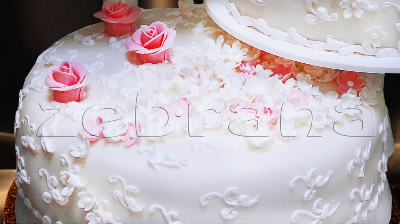 Свадебный торт  Весенние цветы.